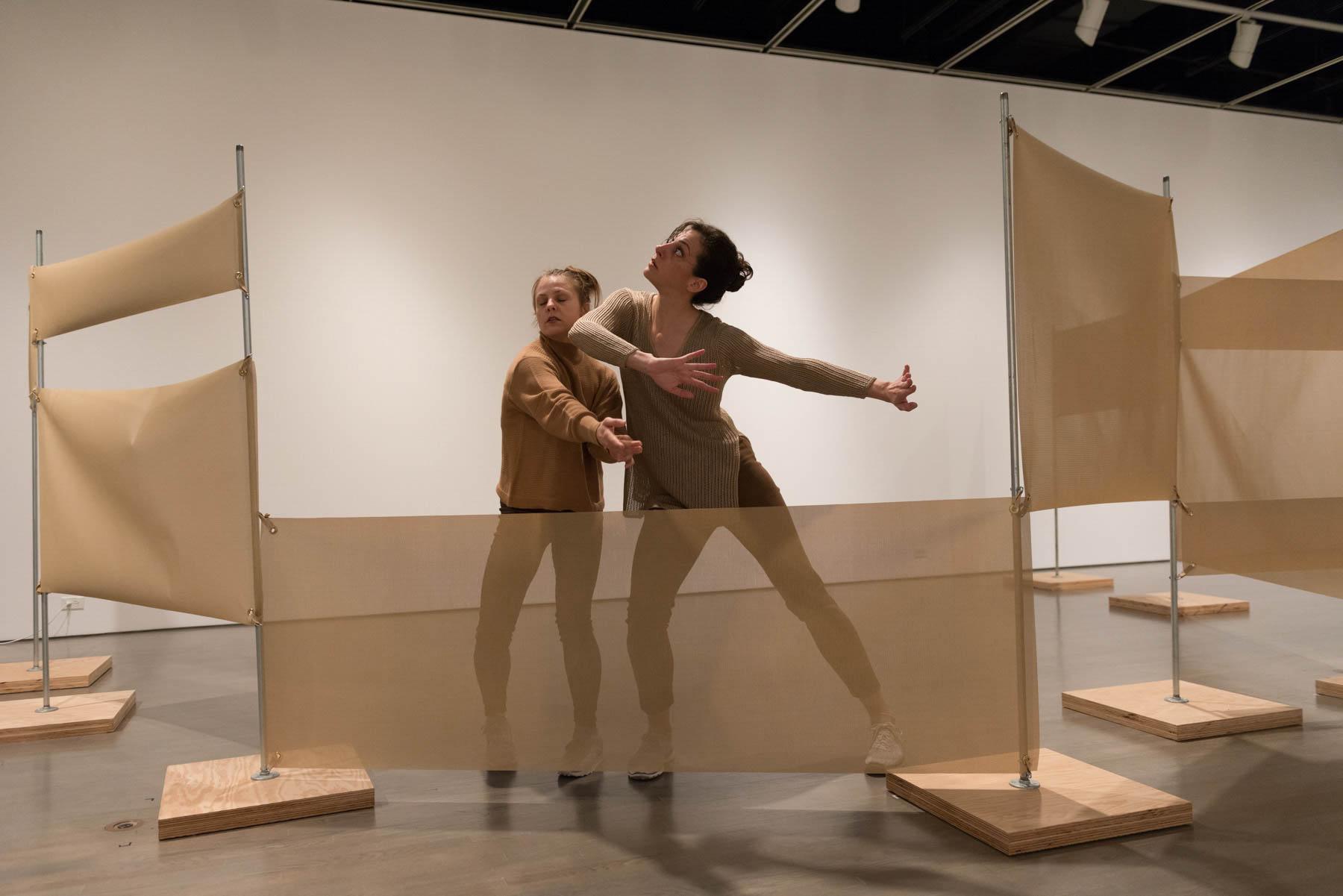 Marie Claire Forté et Alanna Kraaijeveld dans le cadre de l'exposition